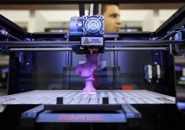 дешевый принтер MakerBot 2X